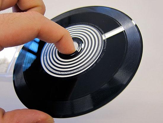 disque hybride cd-vinyle de Yuri Suzuki et Jeff Mills