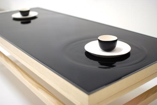 Table à thé design  avec effet de vague - Studio Hanna & Seo