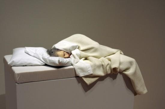 Sculptures hyperréalistes de Ron Mueck