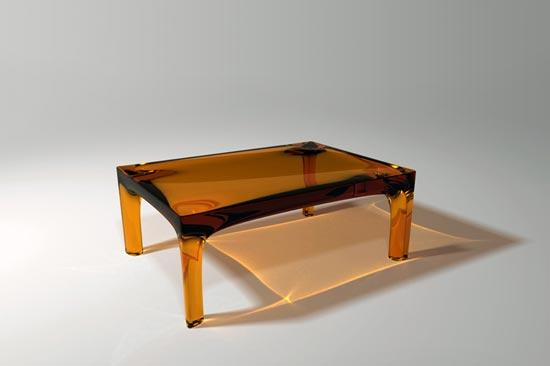 table en résine couleur ambre