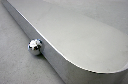 Table basse en acier chromé de 1988