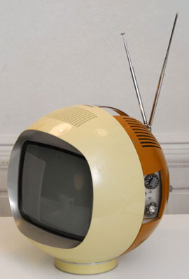 Téléviseur Radiola de 1968