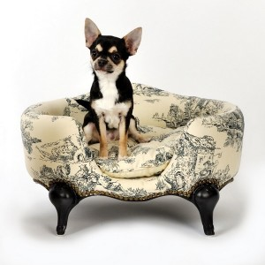 les fauves mondains canap s niches design de luxe pour chiens et chats. Black Bedroom Furniture Sets. Home Design Ideas