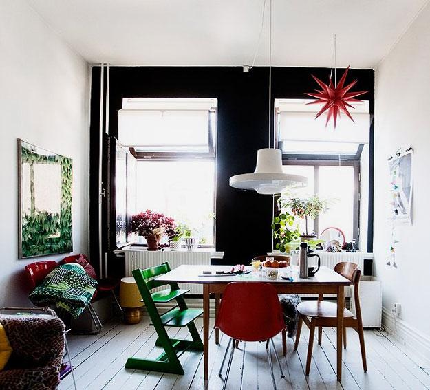 Des chaises d pareill es dans la salle manger une - Idee decoration salle a manger ...