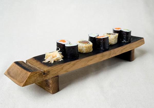 Plateau de sushi fabriquée à base de fût de chêne ou de barrique
