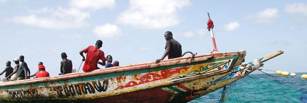 Pirogue de pêcheur africain