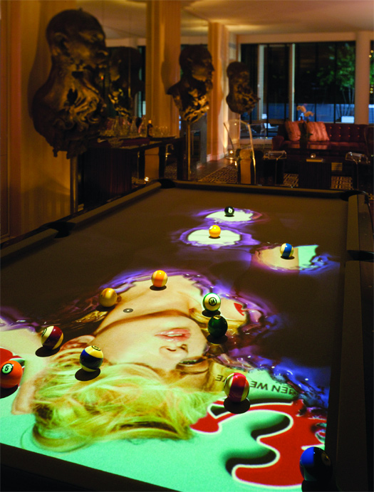 Table de billard avec imagerie interactive