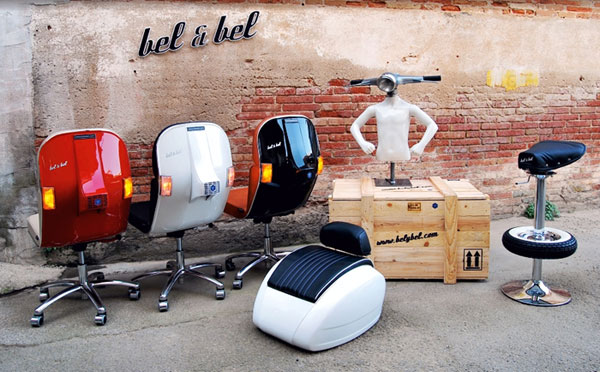 Chaises design scooter Vespa