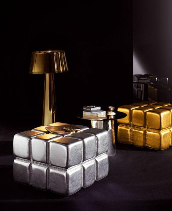 Petite table de salon or et argent