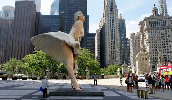 Statue géante de Marilyn Monroe