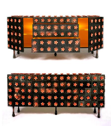 Buffet métal noir avec motifs de fleurs en acier