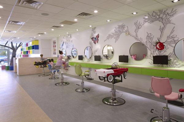 Architecture d 39 int rieur salon de coiffure pour enfants for Salon de coiffure pour enfant