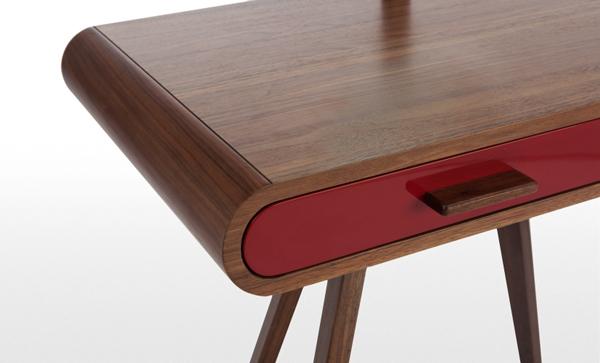 Petite table design, détails