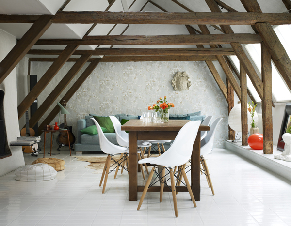 Table avec chaises eames