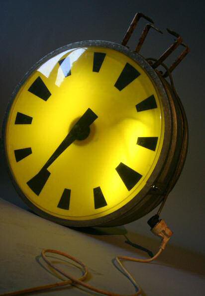 Horloge style industriel