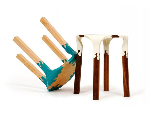 Tabourets en bois et plastique