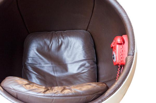 fauteuil cuir ball chair 1963 - détail